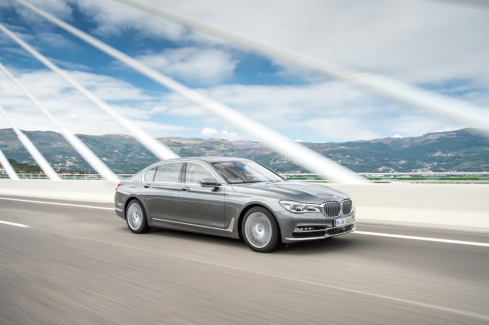 P90218901_highRes_the-new-bmw-7-series