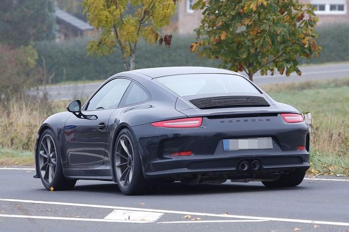 Porsche-911-R-eblogauto (6)