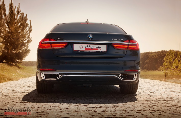 bmw-7series-review-2016-eblogauto (2)