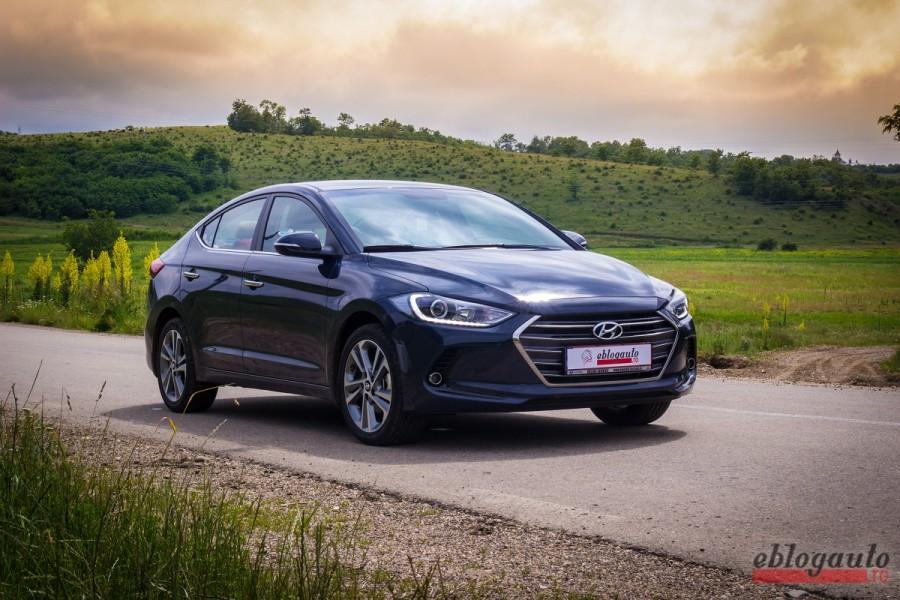 Test Drive Hyundai Elantra 1.6 CRDi 136 CP MT6 Diesel REVIEW & VIDEO