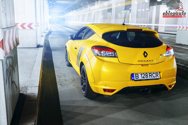 renault-megane-rs-trophy-275-review (2)
