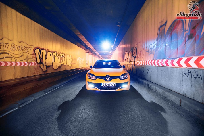 renault-megane-rs-trophy-275-review (4)